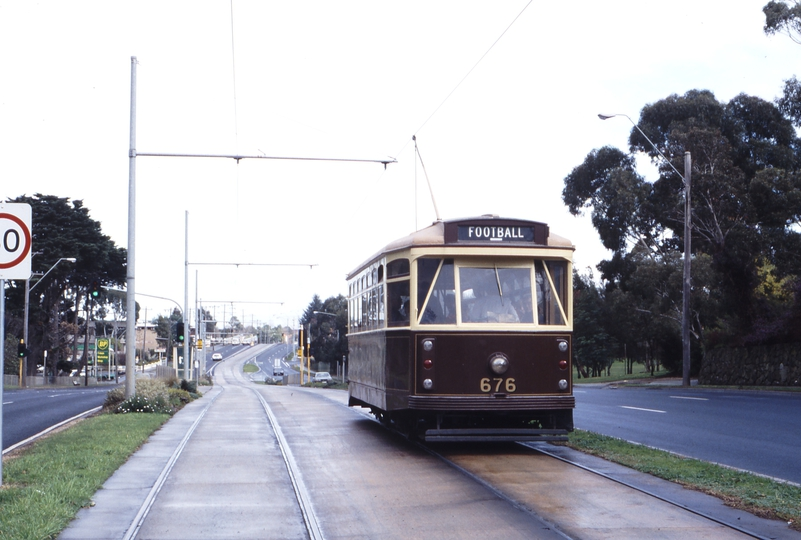 117311: Aug. 20 1990 Burwood Highway at Ireland Street Down AETA Special X2 676