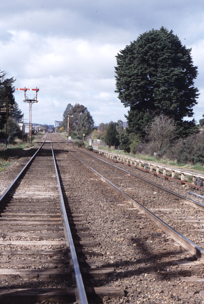117333: Linton Junction Looking towards Melbourne