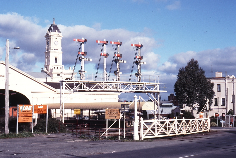 117356: Ballarat Lydiard Street Gates and Signal Bridge Looking from North to South across line