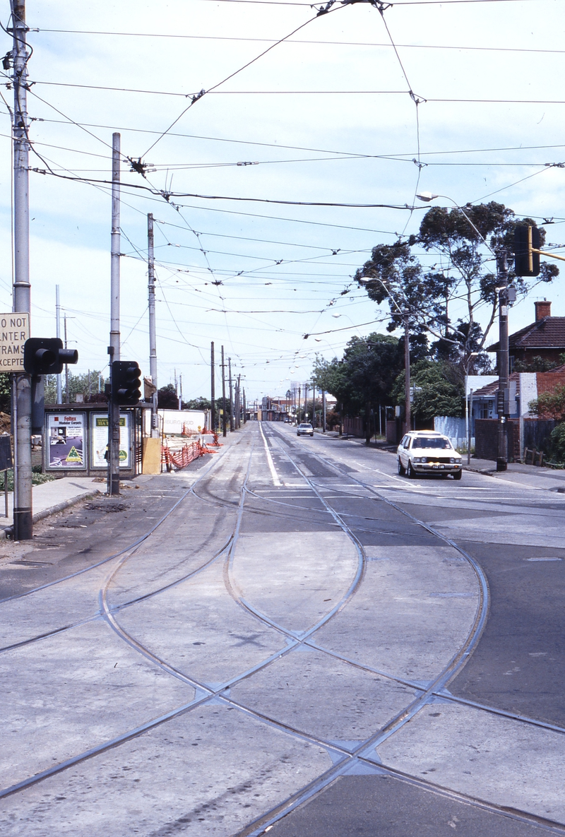 117390: St Georges Road at Miller Street Looking South